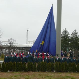 Проектиране, изграждане и монтаж на 42м и 51м. пилони за знамена